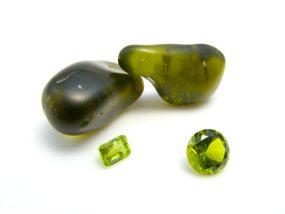 ペリドットの石