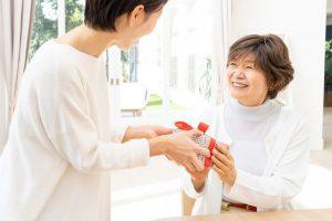 60代の女性に贈るプレゼントおすすめ8選
