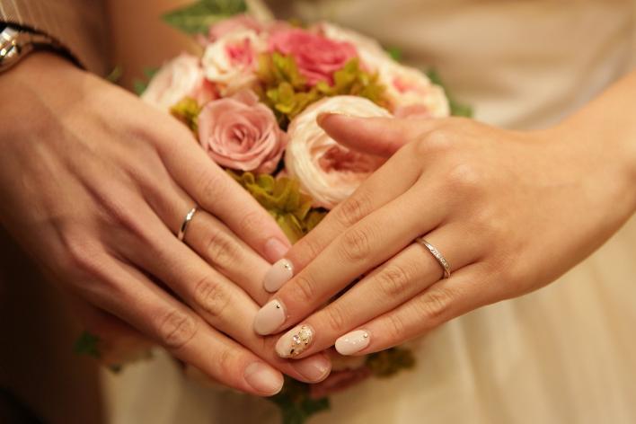 プラチナとホワイトゴールドとの違いとは?結婚指輪で人気の理由