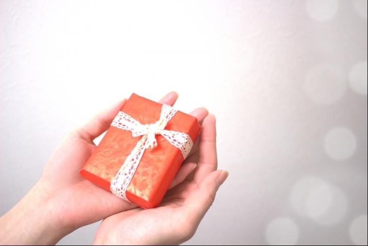 【永久保存版】妻・奥さんが絶対喜ぶ!誕生日プレゼントランキング