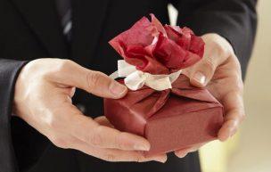 社会人の彼女が喜ぶプレゼントのイメージ画像