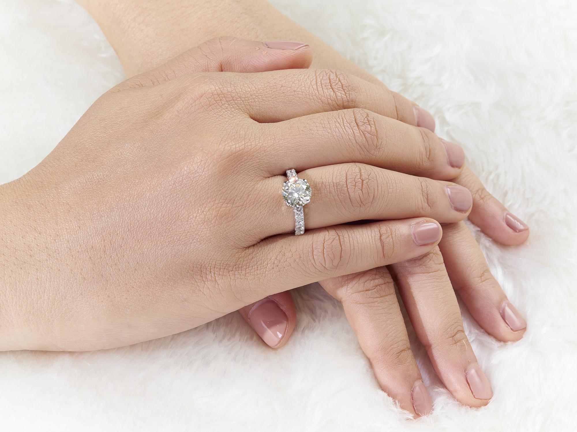 ダイヤモンドの価値は4Cで決まる